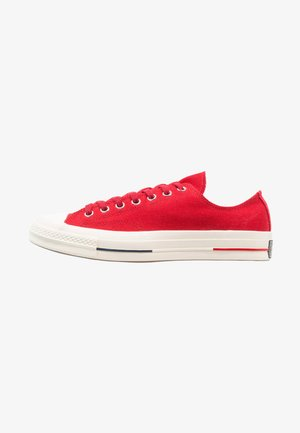 CHUCK TAYLOR ALL STAR '70 OX HERITAGE COURT - Trainers - gym red/navy