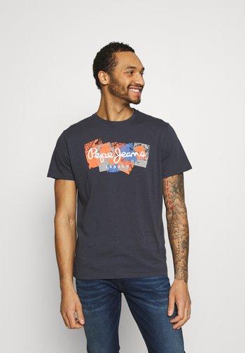 WILLIAM - T-shirt med print - thames