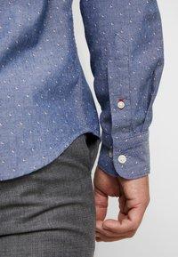 Selected Homme - SLHSLIMMARK WASHED - Formal shirt - dark blue - 3