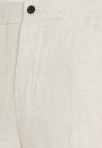 J.LINDEBERG - SASHA DRAPE PANTS - Broek - sand melange - 2