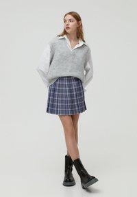 PULL&BEAR - MIT KELLERFALTEN - Áčková sukně - dark grey - 1