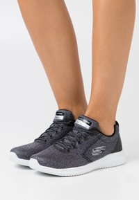 Skechers Sport - ULTRA FLEX - Zapatillas - black/white - 0
