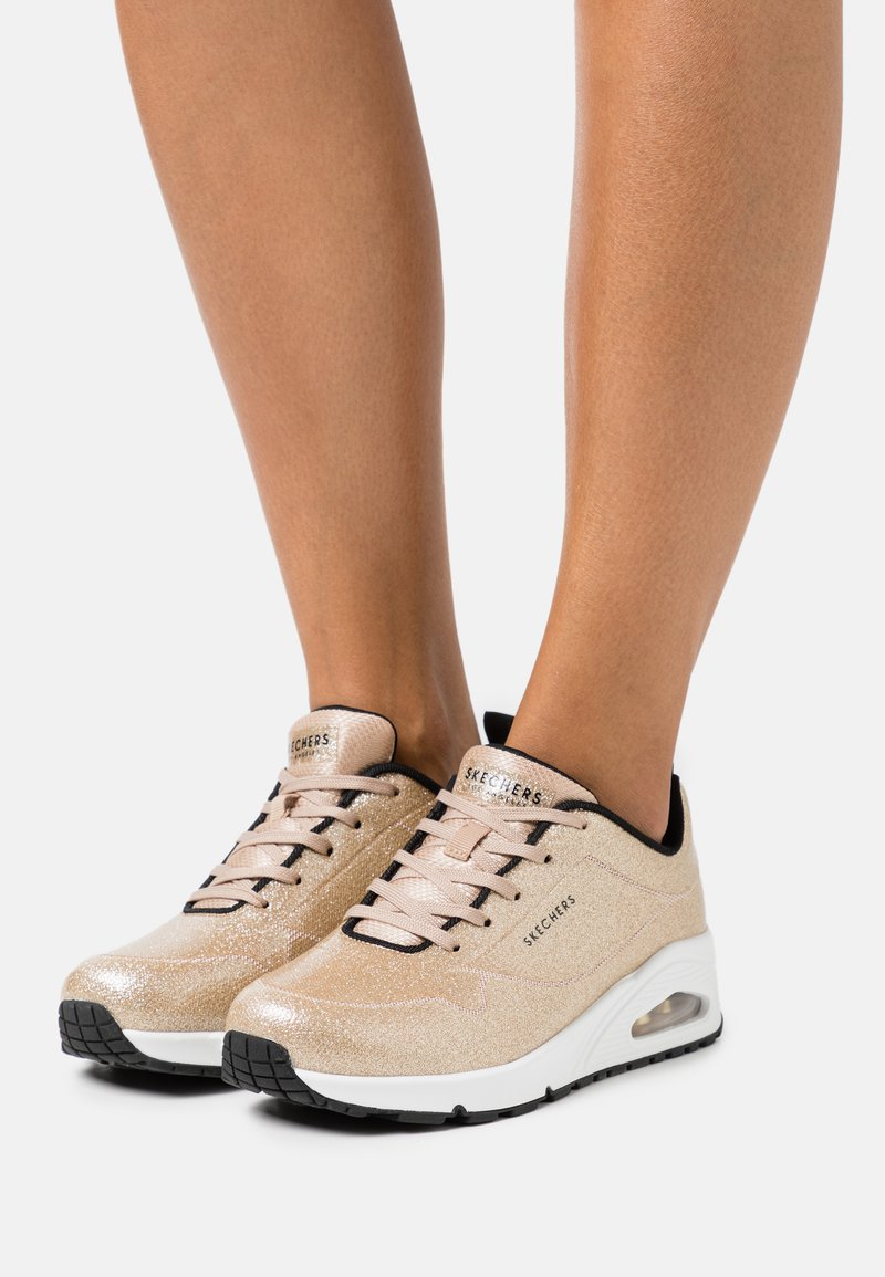 Skechers Sport - UNO - Joggesko - champagne gold glitter hot melt