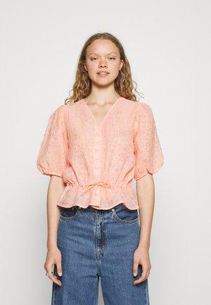 BREEZY BRANDI - Blouse - light pink