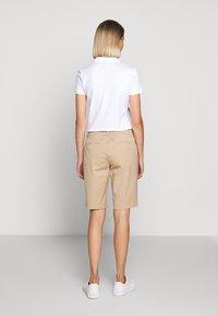 Lauren Ralph Lauren - BERMUDA - Shorts - birch tan - 2