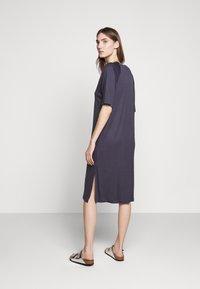 Filippa K - MIRA DRESS - Žerzejové šaty - ink blue - 2