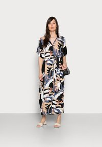 mine to five TOM TAILOR - DRESS KAFTAN MAXI PRINTED - Maxi dress - sand blue palms design - 1