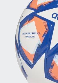 adidas Performance - UCL FINALE 20 JUNIOR LEAGUE 350 FOOTBALL - Football - white - 2