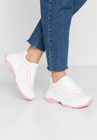Koi Footwear - VEGAN LIZZIES - Trainers - white/light pink - 0
