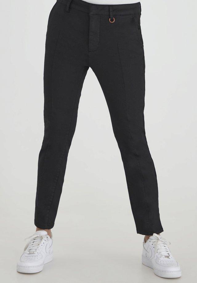 PZCLARA COATED - Pantalones - black beauty