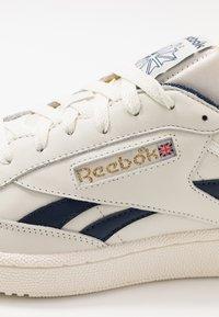 Reebok Classic - CLUB C REVENGE  - Sneakers basse - chalk/collegiate navy - 5