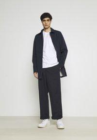 Selected Homme - SLHENZO POCKET O NECK TEE - Basic T-shirt - bright white - 1
