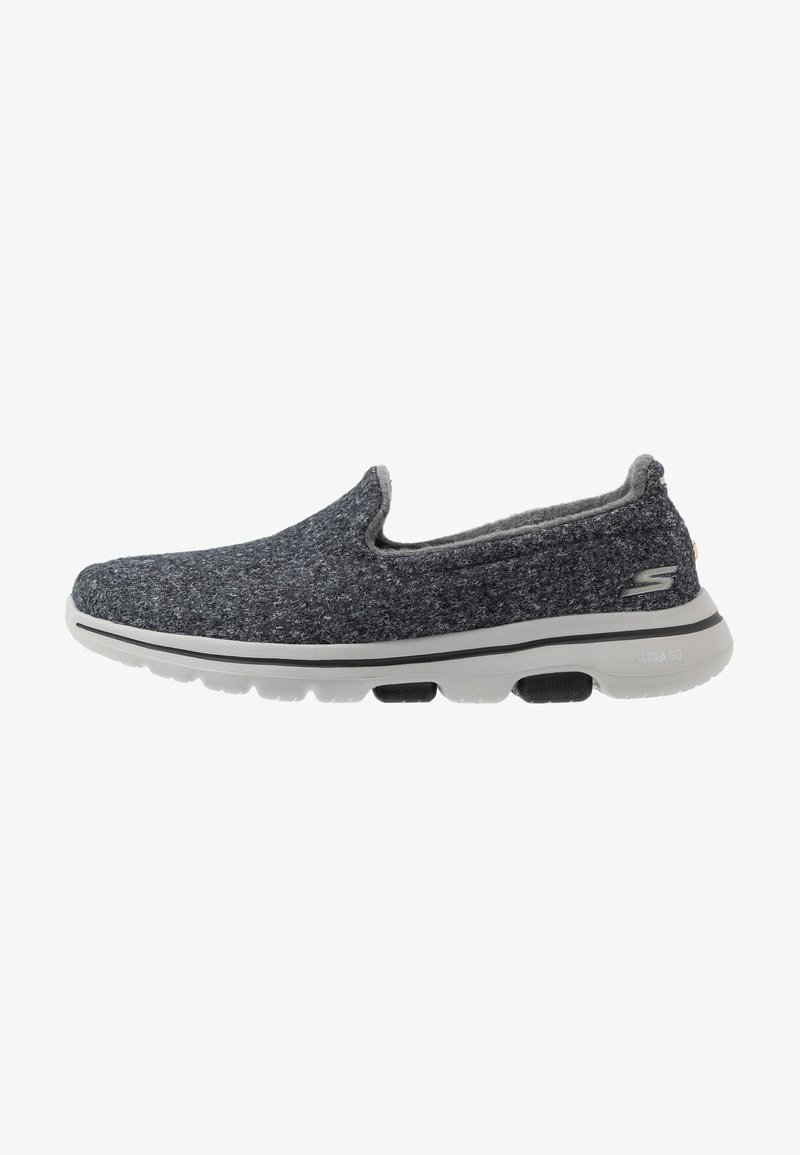 Skechers Performance - GO WALK 5 - Sportieve wandelschoenen - charcoal