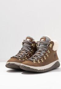 Sorel - OUT N ABOUT PLUS CONQUES - Ankle boots - elk - 4