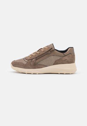 ALLENIEE - Sneakersy niskie - dark beige