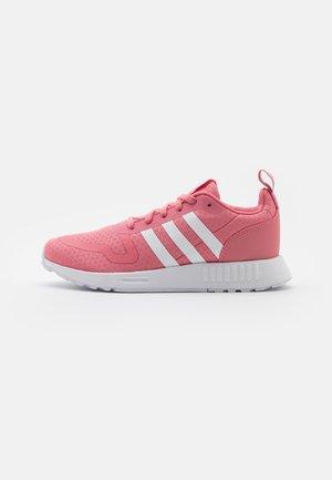 SMOOTH RUNNER - Sneakers basse - hazy rose/footwear white