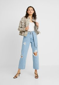 New Look Tall - CROP UTILITY - Summer jacket - cream - 1