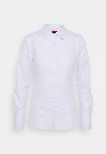 THE FITTED SHIRT - Camicia - light pastel blue