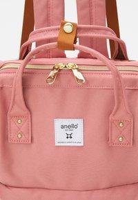 anello - CROSS BOTTLE UNISEX - Rucksack - light pink - 5