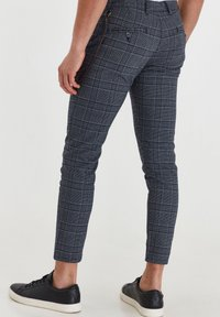 Solid - TRAVIS - Trousers - grey mel - 2
