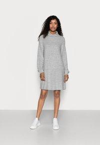 GAP Petite - TURTLENECK DRESS - Sukienka dzianinowa - light grey marle - 1