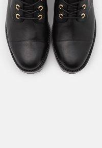 MICHAEL Michael Kors - TATUM BOOT  - Snørestøvletter - black - 6