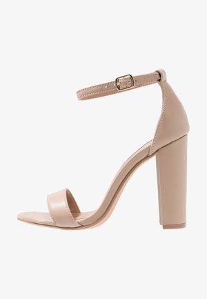 CARRSON - Sandály na vysokém podpatku - blush