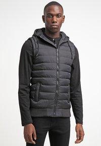 Urban Classics - SMALL BUBBLE - Waistcoat - black - 0