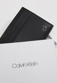 Calvin Klein - SMOOTH CARDHOLDER - Visitekaarthouder - black - 2