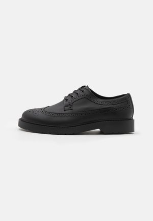 SLHTIM BROGUE SHOE CLEAN - Nauhakengät - black