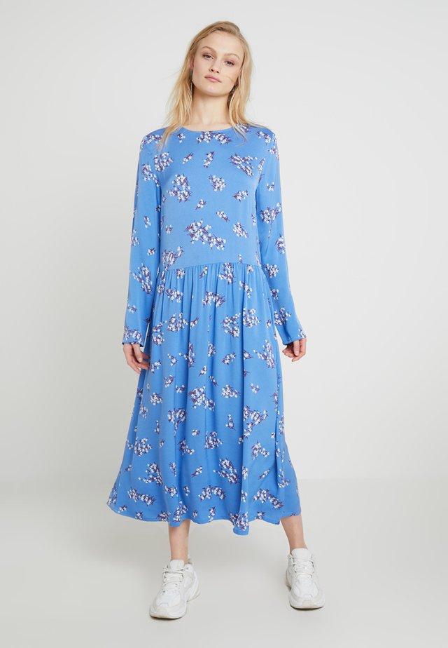 RAMA DRESS - Vestido largo - blue breeze