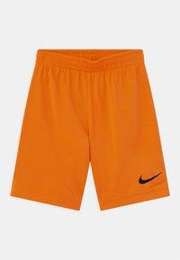 Nike Sportswear - SPORTSBALL SET - Print T-shirt - atomic orange - 2