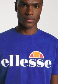 Ellesse - PRADO - Print T-shirt - blue - 5