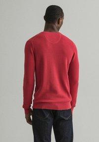 GANT - C NECK - Stickad tröja - rot - 1