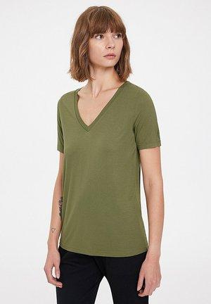 ESSENTIALS DEEP - T-shirt basic - capulet olive