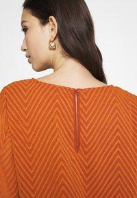 ONLY - ONLANNELENA O NECK  - Camiseta de manga larga - ginger bread - 6