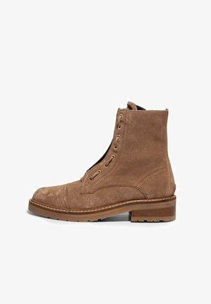 ARIEL  - Lace-up ankle boots - cognac sand