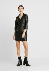 ONLY - ONLJANNIE DRESS - Kjole - black - 0