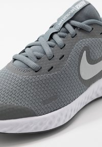Nike Performance - REVOLUTION UNISEX - Neutral running shoes - cool grey/pure platinum/dark grey - 2