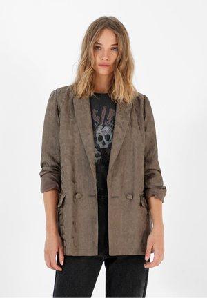 CAMOUFLAGE - Short coat - khaki