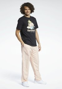 Reebok Classic - CLASSICS TRACKSUIT BOTTOMS - Pantaloni sportivi - orange - 1