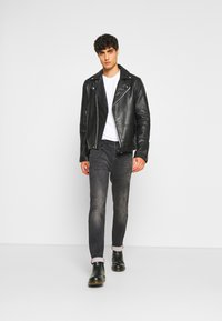 Petrol Industries - JACKSON - Slim fit jeans - black stone - 1