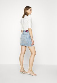Tommy Jeans - SHORT SKIRT - Jupe en jean - cony light blue comfort - 2