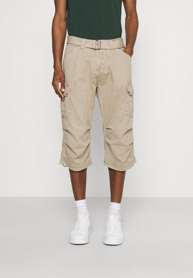 NICOLAS - Shorts - greige