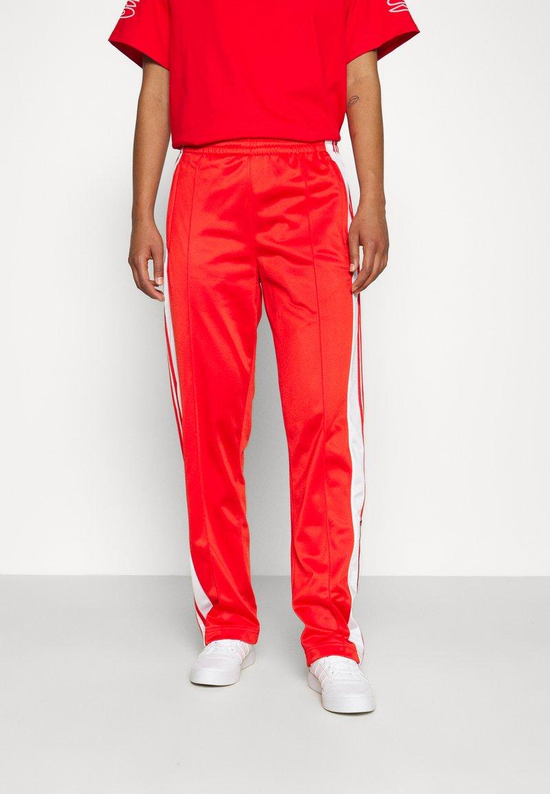 adidas Originals - ADIBREAK - Joggebukse - red