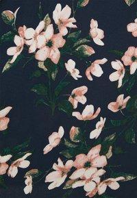 Vero Moda Curve - VMSIMPLY EASY DRESS - Kjole - navy blazer/imma - 2