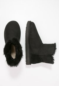 UGG - BAILEY - Botki - black - 3