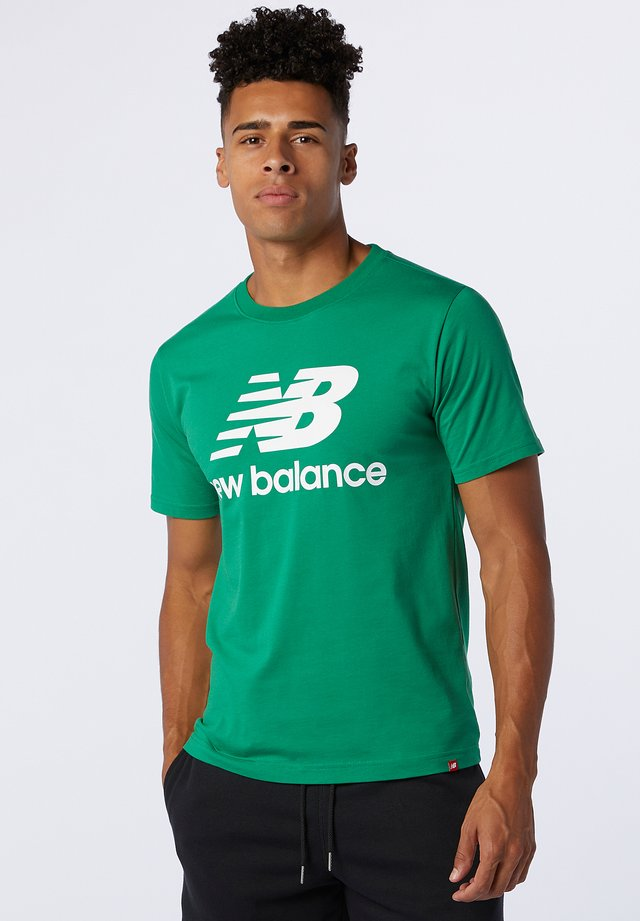 ESSENTIALS STACKED LOGO  - T-shirt print - varsity green