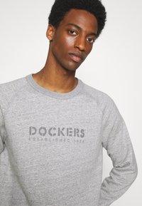 DOCKERS - ICON CREWNECK - Sweatshirt - mid heather - 3