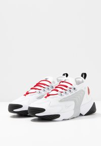 Nike Sportswear - ZOOM 2K - Sneaker low - white/pure platinum/gym red/black - 4